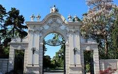 Magyarország, Keszthely, Festetics-kastély bejárata