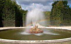 szökőkút a Versailles-i kastély kertjében