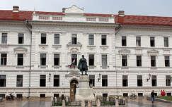 Magyarország, Pécs, Kossuth tér