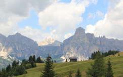 Kis haziko az Olasz Alpokban