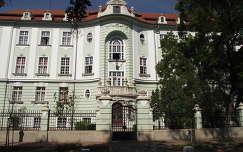 Szeged. Épülethomlokzat. Fotó: Csonki