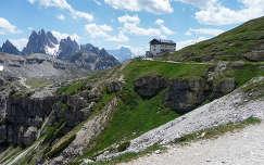 Az Auronzo menedékház a Dolomitokban, Olaszország