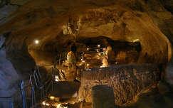 M�lta-Ghar Dalam barlang