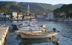 Jelsa kikötője (Hvar-sziget, Horvátország)