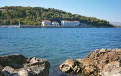 Jelsa város öble, Hvar-sziget, Horvátország