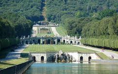 A Caserta kastély parkja, Olaszország