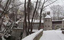 Miskolc-Lillafüred, a Palota szálló függőkertje, balra a Szinva-vízesés