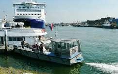 IJMUIDEN - NEDERLAND, Wedding on a little ship