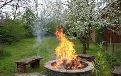 kert,tűz,tavasz