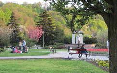 Miskolc, a Szent István tér tavasszal