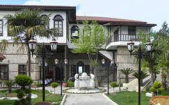 Antalayai udvar belső, Törökország