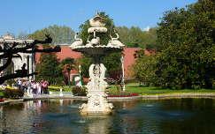 Dolmabache palota kertje Törökország