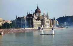 A Parlament augusztus 20-án