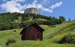 Fabode a hegyekben, Olasz Alpokban.