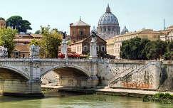 Róma,Olaszország,háttérben a Szent Péter Bazilika