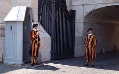 svájci gárdisták a Vatikánban