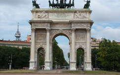 Béke diadalív, Milánó