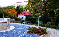 Nivegy völgyi terecske a várral Veszprémben