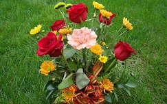 rózsa virágcsokor és dekoráció szegfű