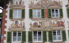Oberammergau,Jancsi és Juliska meséje a homlokzaton,Németország