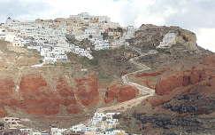 Vista parcial de Santorini, Grecia.