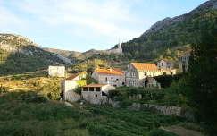 Hvar sziget egyik legszebb faluja: Pitve
