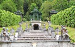Linderhofi kastély parkja Németország