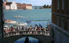 Velence  Sóhajok  hídjáról  nézve