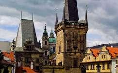 Prága, Templom a Károly-hídról fotózva