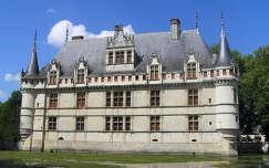 Loire menti kastély Azay-le-Rideau Franciaország