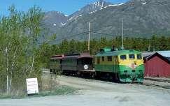 mozdony alaszka vonat