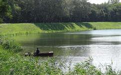 csónak horgászat tó