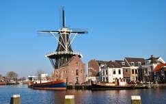 Haarlem-HOLLAND,  De Molen de Adriaan