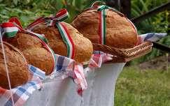 kenyér étel