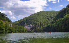 Magyarország, Miskolc-Lillafüred, Palotaszálló a Hámori-tóról