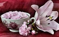 liliom csendélet rózsa