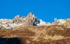 kövek és sziklák hegy bolygók és holdak