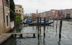 Távolban a Rialto híd, Velence, Olaszország