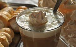 Kávé habcsókkal...sok habcsókkal ;)