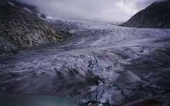 Olvadó gleccser-Svájc