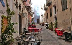 Utca Lipari szigeten  Szicília
