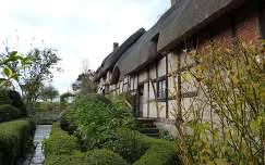Stratford-upon-Avon, Anne Hathaway's Cottage
