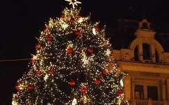 karácsonyfa éjszakai képek karácsonyi dekoráció