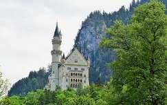 tavasz várak és kastélyok alpok németország neuschwanstein kastély hegy