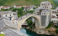 Az újjáépített mostari híd, Bosznia-Hercegovina