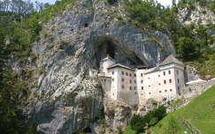 A predjamai barlangvár Postojna mellett, Szlovénia