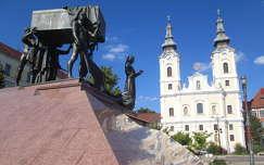 Miskolc, Hősök tere a Minorita templommal