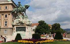 Savoyai Jenő szobra a Budai várban
