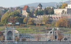 Budapest,Várkertbazár a Vigadó tetejéről