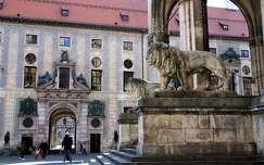 Németország, München - Residenz és Feldherrnhalle